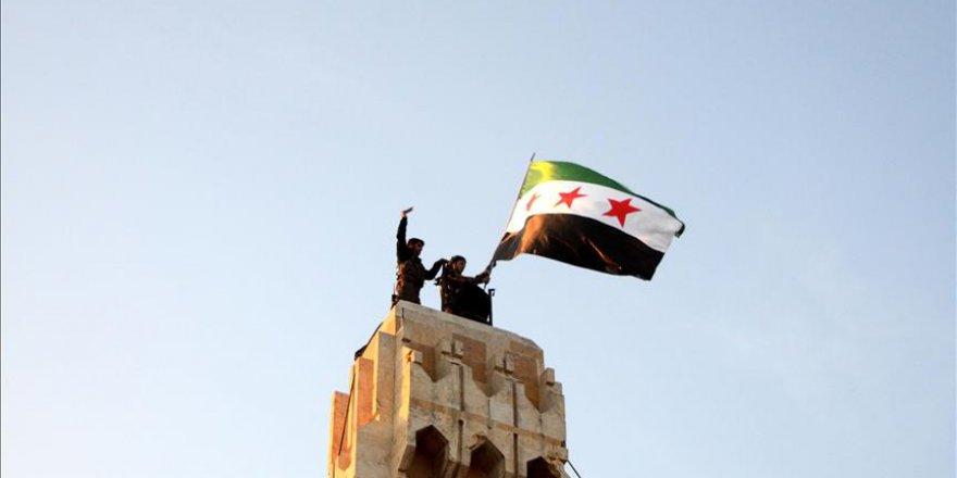 Ahrar'uş Şam 'Devrim Bayrağını' Kullanacak