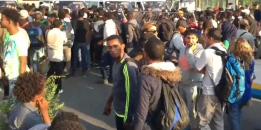 Fransa'da Bir Mülteci Kampı Daha Boşaltıldı!