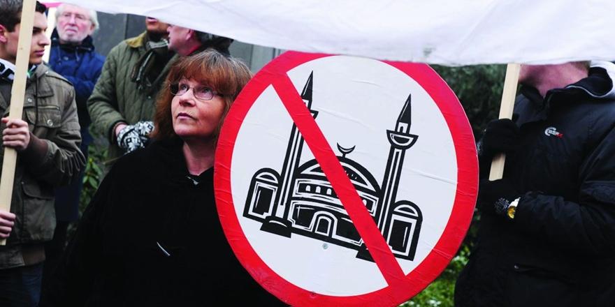 Batı'da İslam'ı Mahkum Etme Saplantısı!
