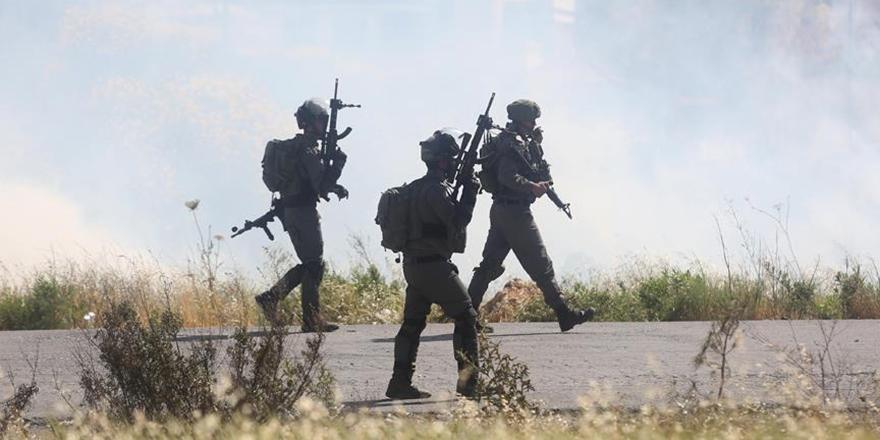 İşgalci İsrail Askerleri 23 Filistinliyi Gözaltına Aldı!