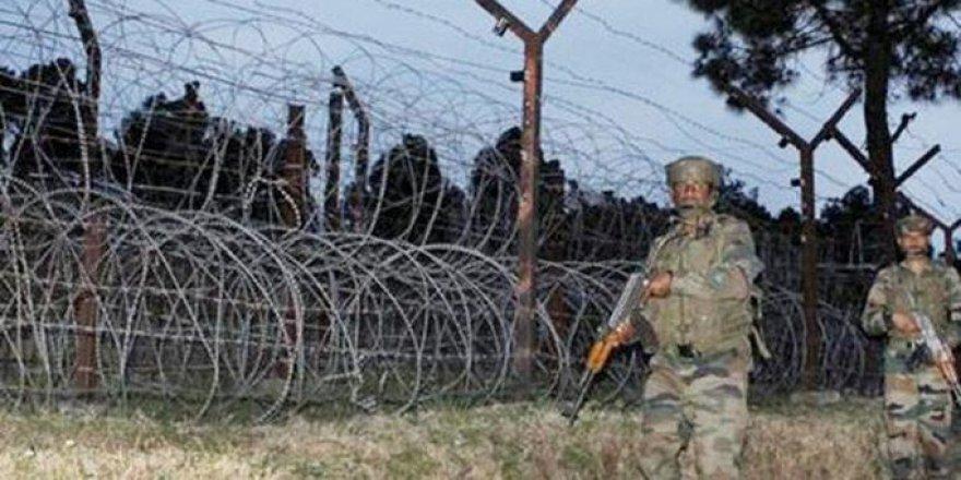 Keşmir'de Çatışma: 3 Ölü