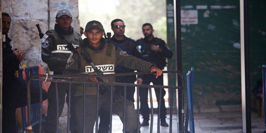 50 Yaş Altı Müslümanlara Mescid-i Aksa Girişi Yasaklandı!