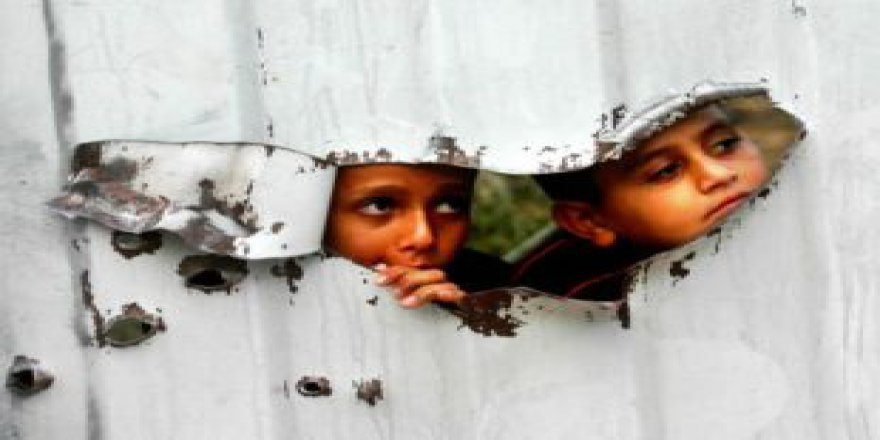 Aksa'nın Çocukları Yüzümüze Tükürmeden…