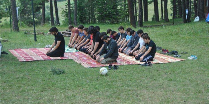 Çorum Özgür-Der'in Gerçekleştirdiği '15 Temmuz Gençlik Kampı' Sona Erdi
