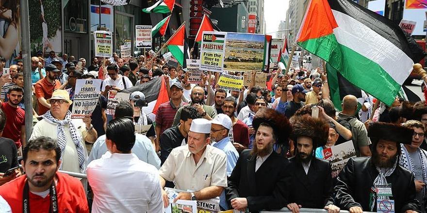 İşgalci İsrail'in İhlalleri New York'ta Protesto Edildi!