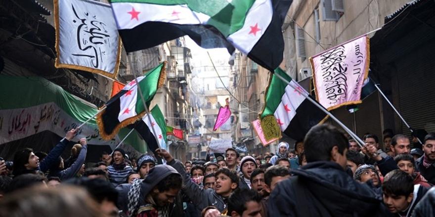 El Kaide'den Direnişçilere Çağrı: Birbirinize Kılıç Çekmeyin