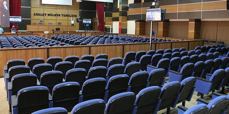 Siirt'teki Darbe Davasında 320 Sanık Hakim Karşısına Çıkacak