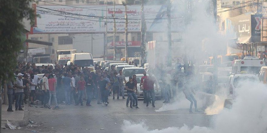 Siyonist İsrail Filistinli Göstericilere Saldırdı: 3 Yaralı