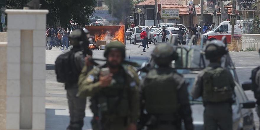 İşgalci Askerler Batı Şeria'daki Gösterilere Saldırdı!