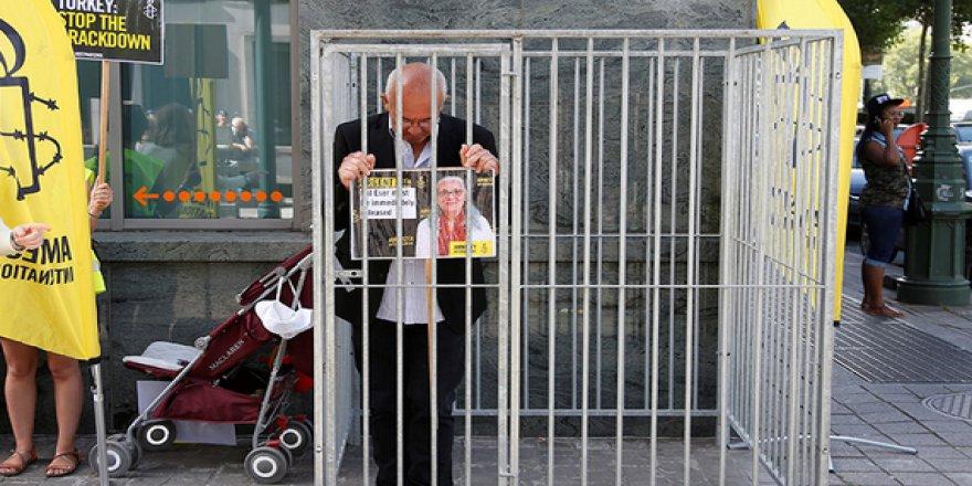İnsan Hakları Aktivistlerinin Tutuklanması Neyin İşareti?