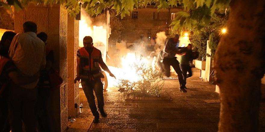 İşgalci Polis Namaz Sonrası Cemaatten 13 Kişiyi Yaraladı!
