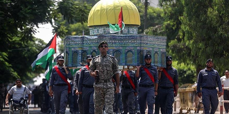 Gazze'den Aksa'ya Destek İçin Askeri Geçit Töreni!