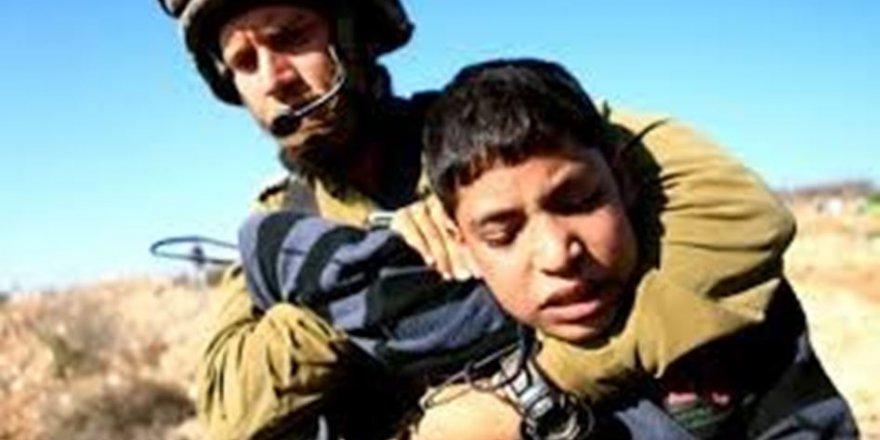 İşgal Zindanlarında Esir Tutulan Filistinli Çocuk Sayısı 400'e Yükseldi