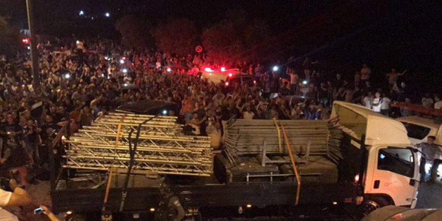 İşgalci İsrail Mescid-i Aksa'nın Kapısındaki Bariyerleri de Kaldırdı