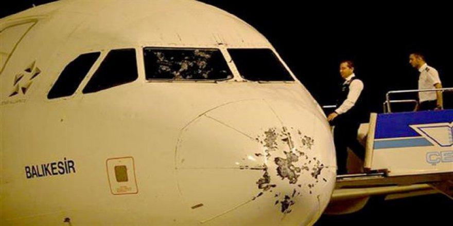 İstanbul'daki Fırtına Uçağı Çevirdi