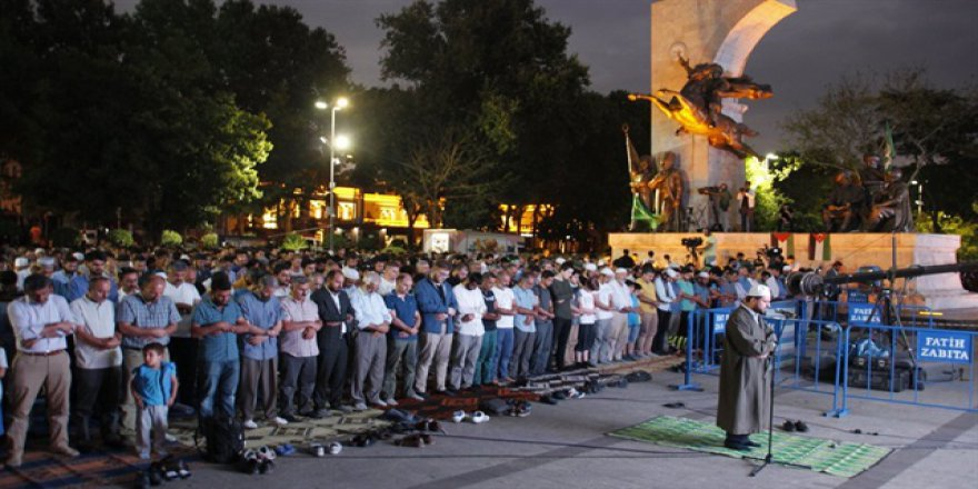 Saraçhane'de 'Kudüs Özgür Olana Dek Ses Ver' Mitingi