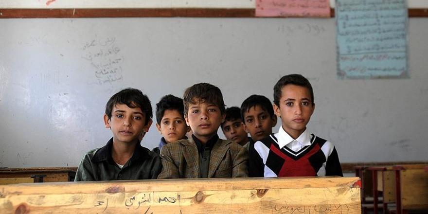 Yemen'de Kitapsız ve Öğretmensiz Ders Yılı!