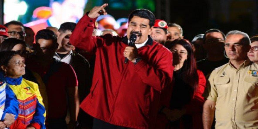 Ha Erdoğan Ha Maduro; Batı'daki Literatür Aynı