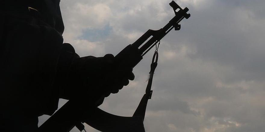 PKK/PYD Afrin'de 64 Camiyi Kapattı!
