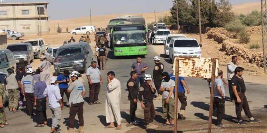 Arsal'dan Tahliye Edilen İlk Kafile Selametle İdlib'e Ulaştı