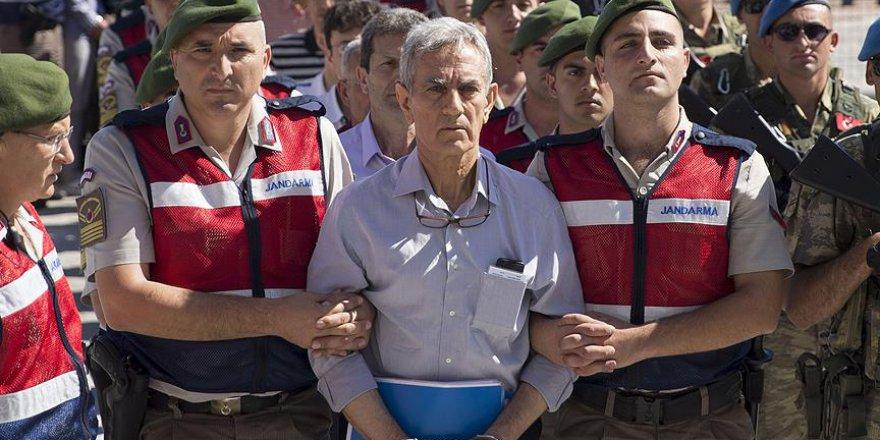 'Akın Öztürk, 'İsrail Bizi Sattı' Dedi'