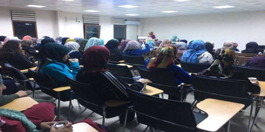 Özgür-Der'li Kız Üniversite Öğrencileri Kampta Buluştu