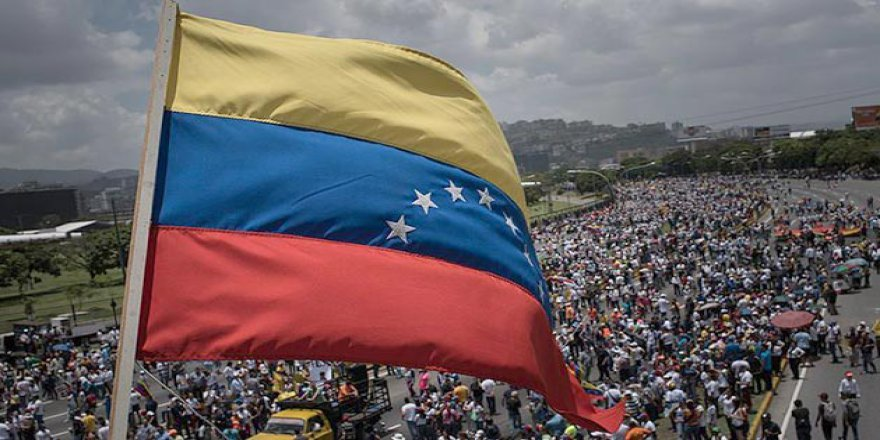 Venezuela'yı Çöküşe Götüren Süreç