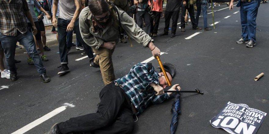 ABD'de Irkçıların Gösterisi Sonrası Olağanüstü Hal İlan Edildi