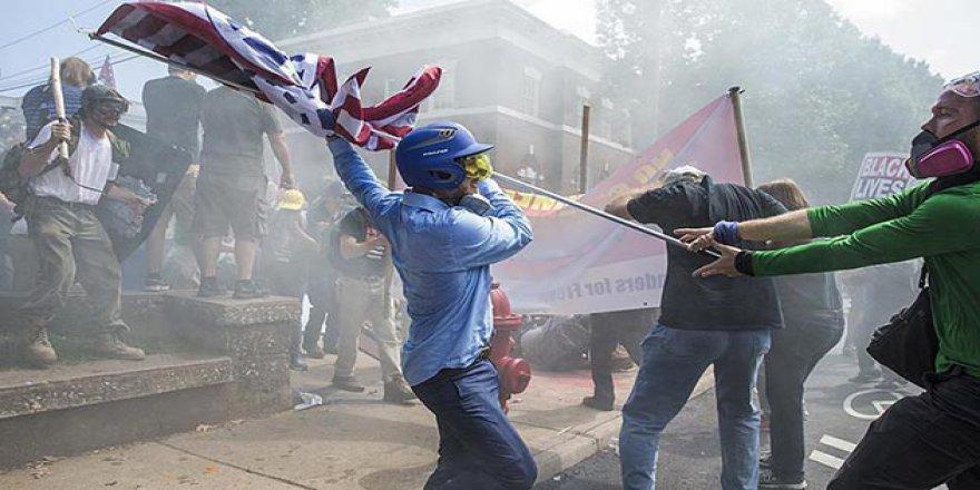 ABD'deki Yahudi ve Müslümanlardan Irkçı Göstericilere Sert Tepki