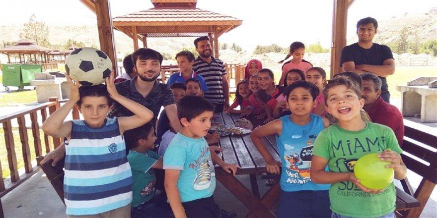 Muhacirler Sivas Özgür-Der'in Düzenlediği Piknikte Buluştu