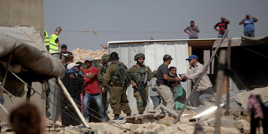 İşgal Güçleri Filistinlilere Ait 3 Evi Yıktı