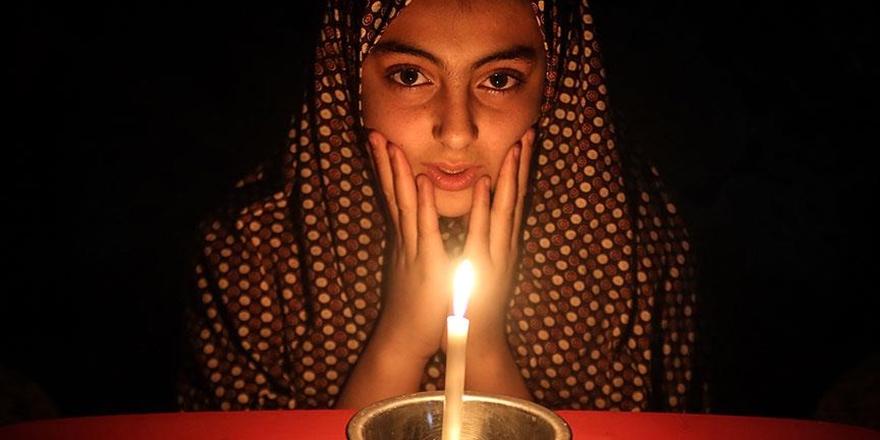 İsrail, Borçlar Yüzünden Filistin'in Elektiriğini Kesecek!
