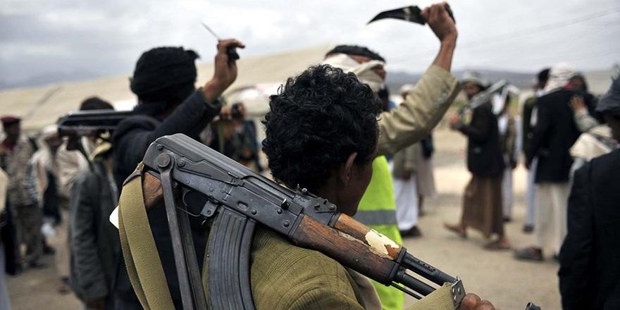 Husiler Taiz'e Giden 10 Tır Yardıma El Koydu!