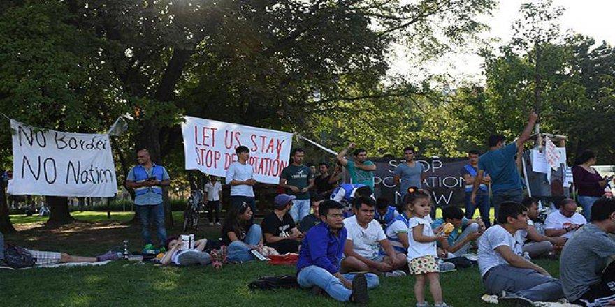 Viyana'da Afgan Sığınmacılardan Oturma Eylemi