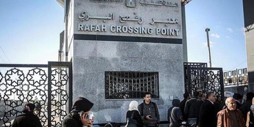 Refah Sınır Kapısı İki Günlüğüne Açıldı