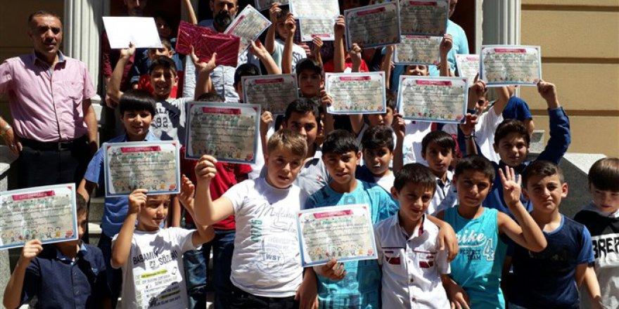 Tatvan'da Çocuk Kulübü Yıl Sonu Etkinliği Yapıldı