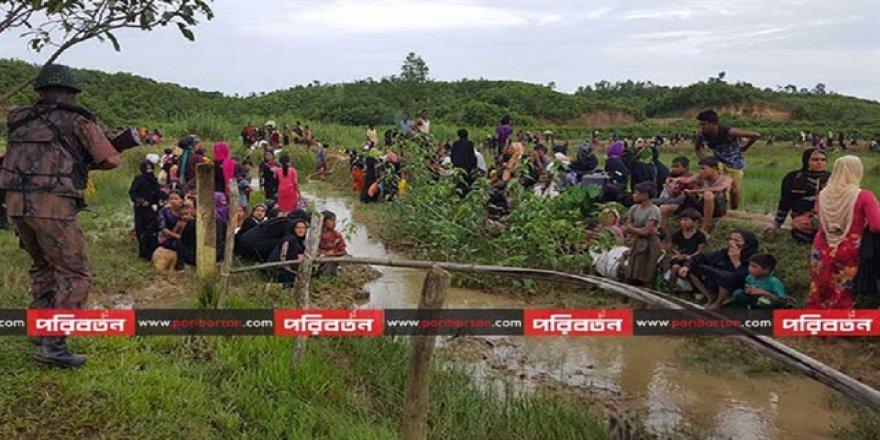 Arakanlı Müslümanlar Myanmar Zulmünden Kaçıyor