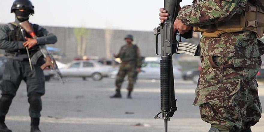 Afganistan'da Bombalı İntihar Saldırısı: 13 Ölü