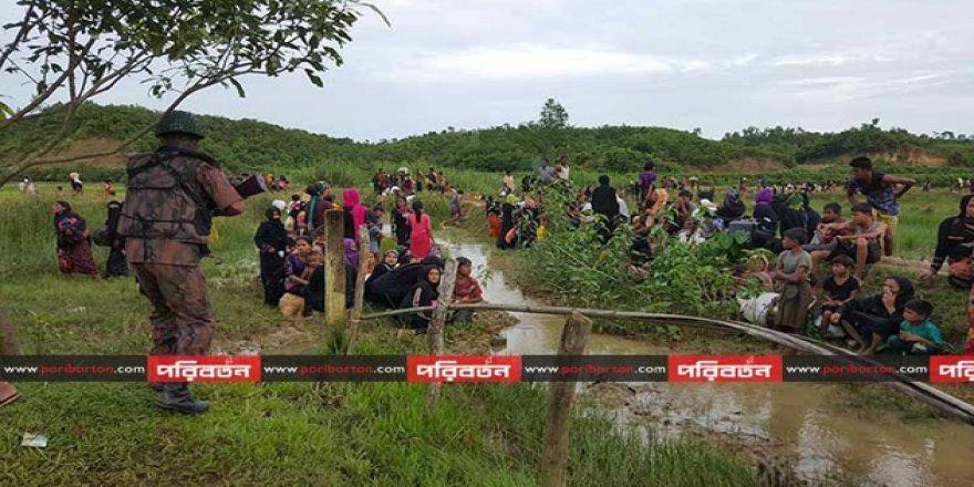 Arakanlı Müslümanlar Bangladeş Sınırında Sıkıştı