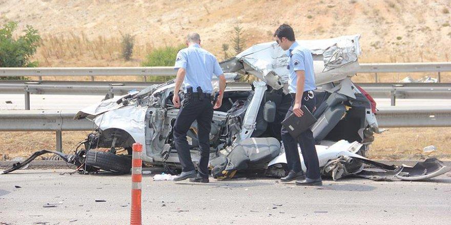 Bayram Tatilinin İlk Üç Gününde Trafik Kazaları 20 Can Aldı