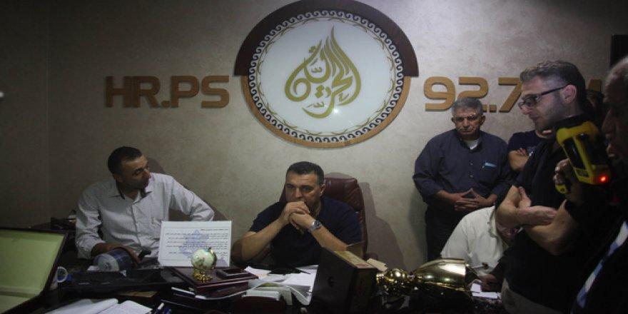 İşgalci İsrail Batı Şeria'da Bir Medya Ağının Merkezini Kapattı