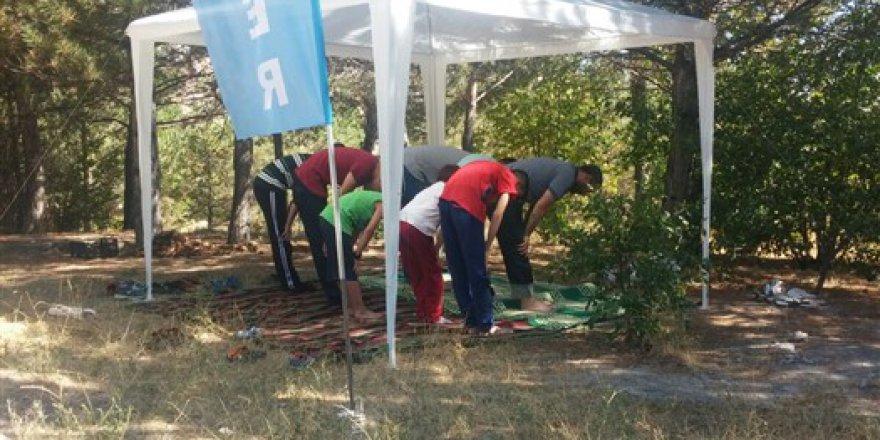 """Sivas Özgür-Der """"Babalar ve Oğullar Kampı"""" Sona Erdi"""