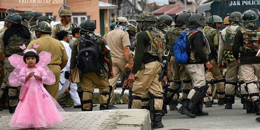 Keşmir'de Bayram Namazı Sonrası Çatışma