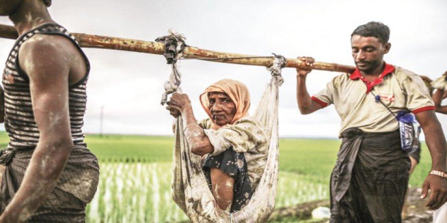 BM: 60 Bin Arakanlı Bangladeş'e Yöneldi