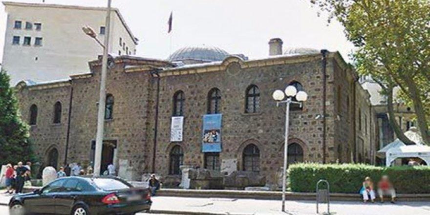 Bulgaristan'da 500 Yıllık Camiyi Akşamları Bar Yapıyorlar