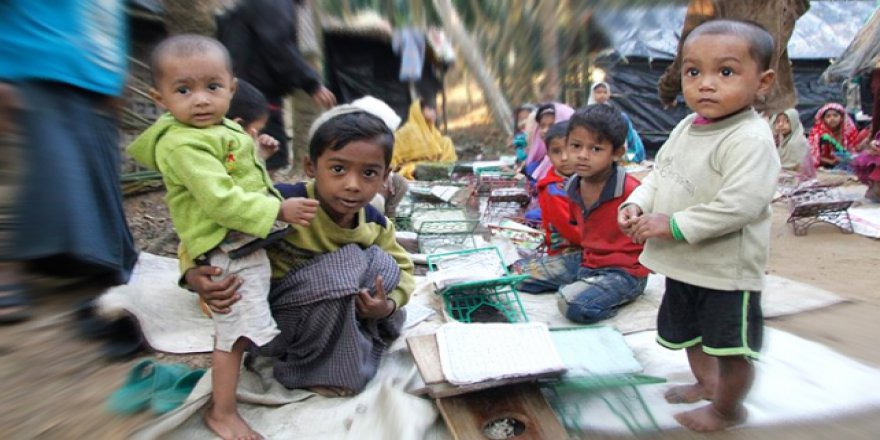 Bazı Yardım Kuruluşları Arakan Kamplarındaki Faaliyetlerini Durdurdu