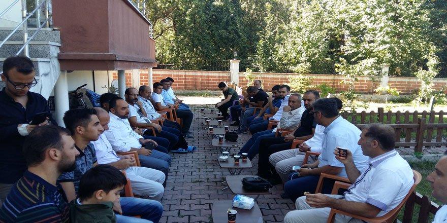 Tatvan Özgür-Der'de Bayramlaşma ve Kurban Eti Dağıtımı