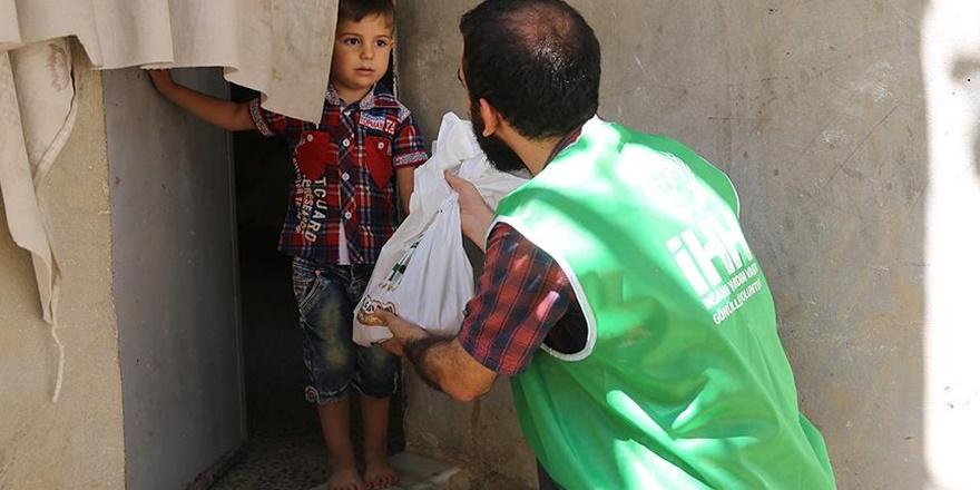 İHH Gazze'de İhtiyaç Sahiplerine Kurban Eti Dağıttı
