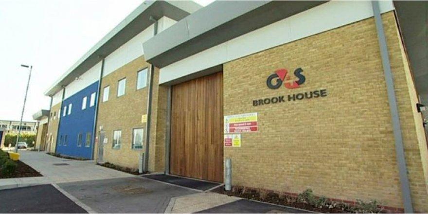 İngiltere'de Göçmen Gözaltı Merkezinde Skandal