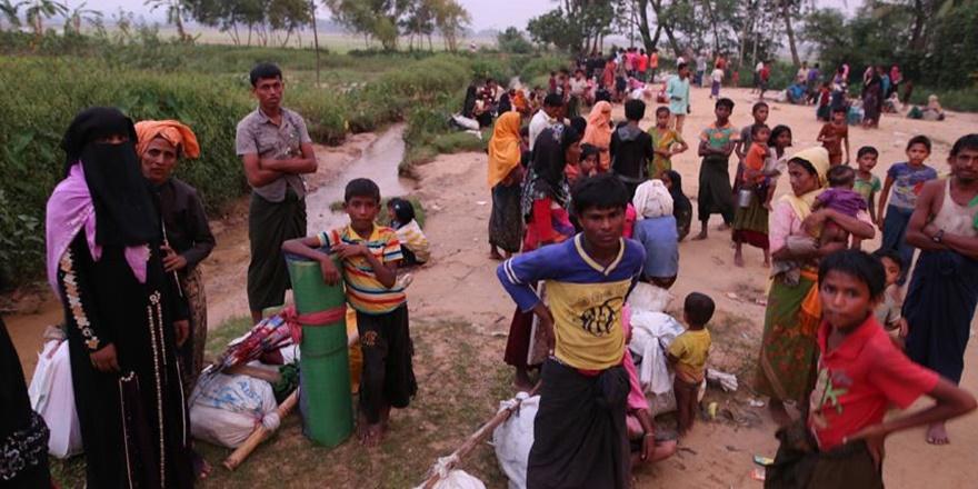 Arakan'dan Bangladeş'e Geçenlerin Sayısı 146 Bin Oldu!